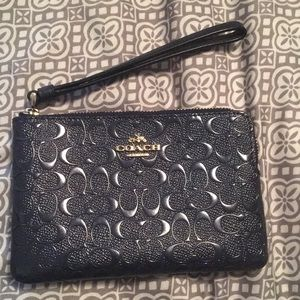 Coach wristlet with 2 card slots